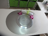 Nail table with filter fan